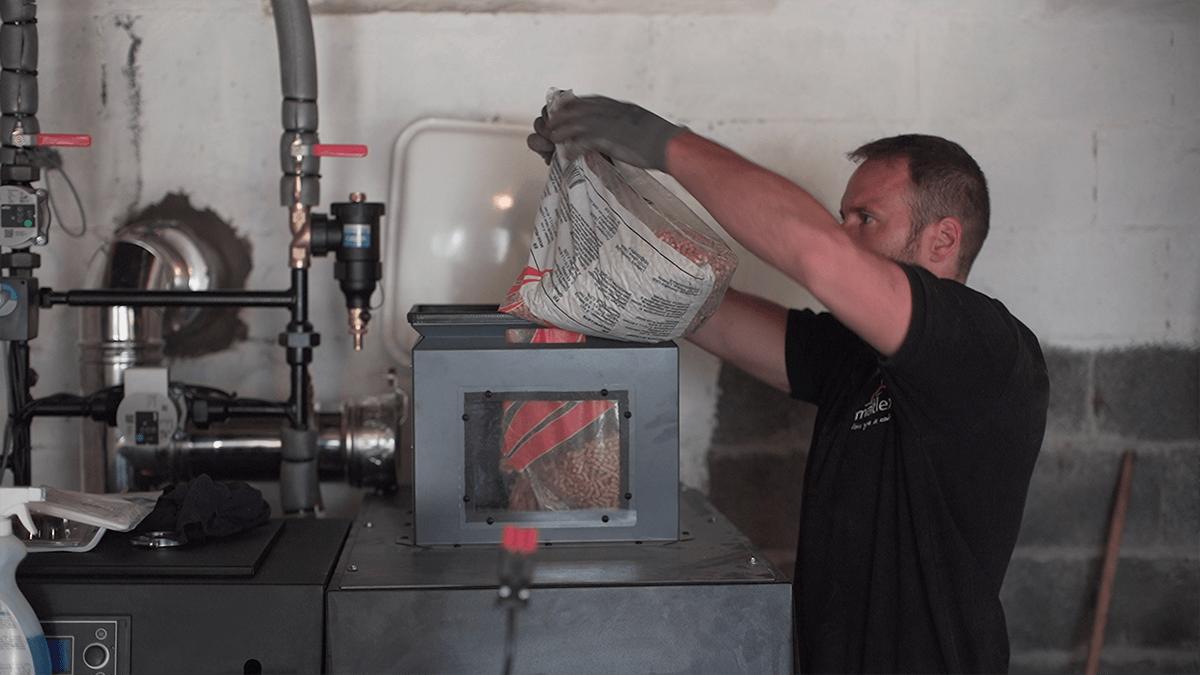 Hellio Matlex remplissage chaudière réservoir granulés