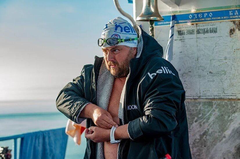 Le nageur Steve Stievenart au lac Baikal